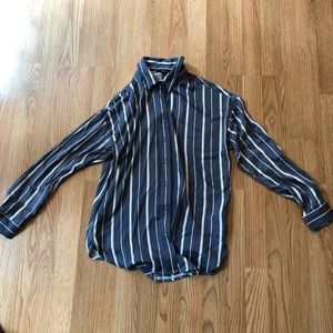 Forever 21 button up shirt size Small never worn